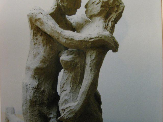 33. Paar – kniend (1999), 22x27x15, Ton (gebrannt)